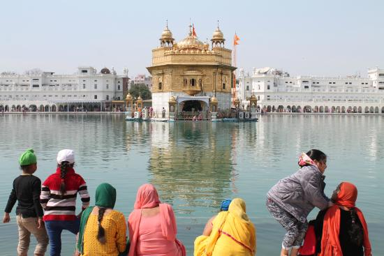 ‪حياة أمريستار: The Golden Temple, Hyatt has daily 3 shuttles to this beautiful must visit attraction of Amritsa‬