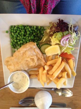 Restaurant at The Bridge End Inn: Cod and chips