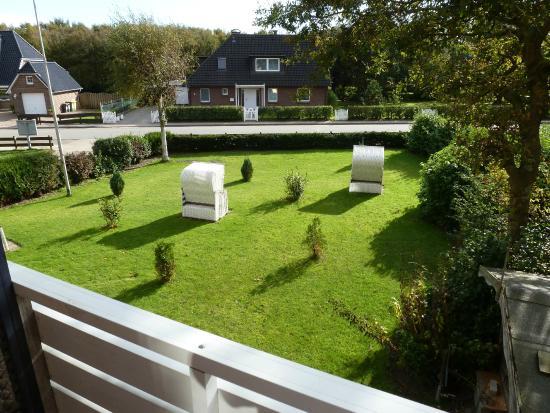 Pension Dünenschloss: Blick in den Vorgarten