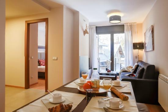 Apartamentos Pierre & Vacances Andorra El Tarter: Comedor