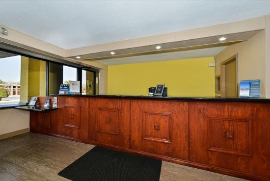 Super 8 Clarksville Northeast: Reception
