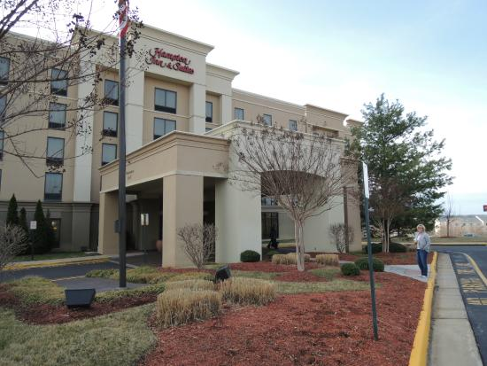 Hampton Inn & Suites Fredericksburg South: Nice Location