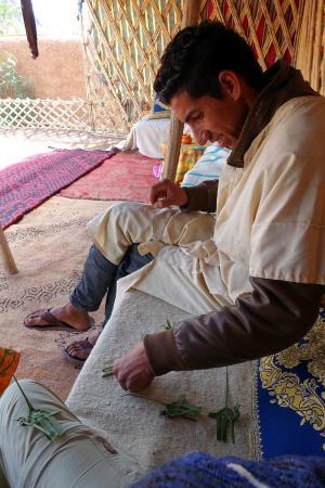 Restaurant Tissili : Palm leaf camel making lesson