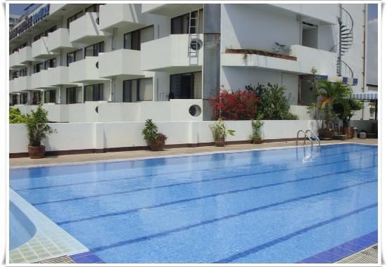 Jomtien Longstay Hotel: Pool