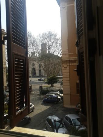 Bed and Breakfast La Finestra di Fronte : great view from window