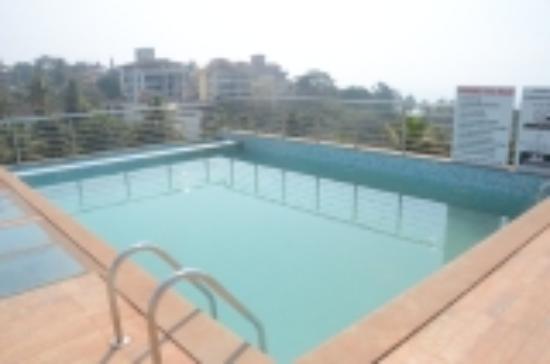 Pastina Beach Resort: Roof Top Swimming Pool