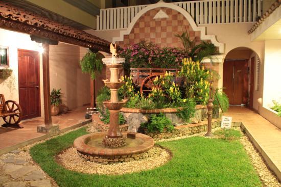 Gran Hotel Azuero: Patieo Tipico