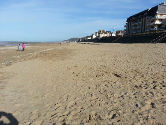 Pierre & Vacances Résidence Le Chant des Oiseaux : la plage de courseulles à 5mn