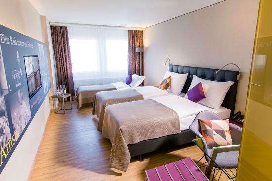 Hotel arte olten dreibettzimmer familienzimmer mit viel for Hotels mit familienzimmer in hamburg
