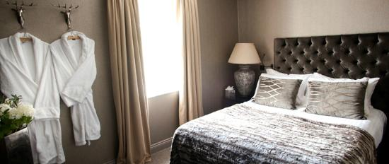Chichester Harbour Hotel: Private cottage bedroom