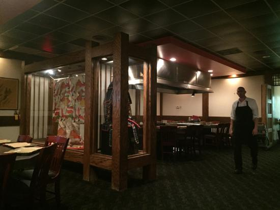 Kabuki Japanese Steak House: Inside was clean and authentically decorated.