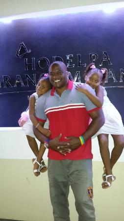 Hodelpa Gran Almirante Hotel & Casino: Enjoying time with my girls