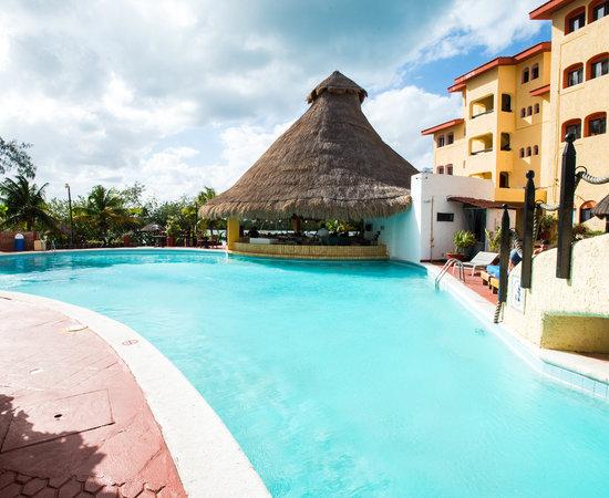Resultado de imagen para Hotel Selina Cancun Lagoon Hotel Zone