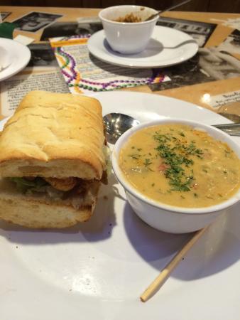 Cajun Steamer Bar & Grill: 1/2 crawfish poor boy and crawfish étouffée