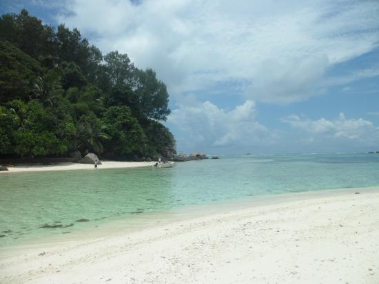 ile moyenne picture of beachcomber seychelles sainte anne sainte anne island tripadvisor. Black Bedroom Furniture Sets. Home Design Ideas