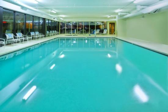 Fairfield Inn Ann Arbor : Pool and Spa