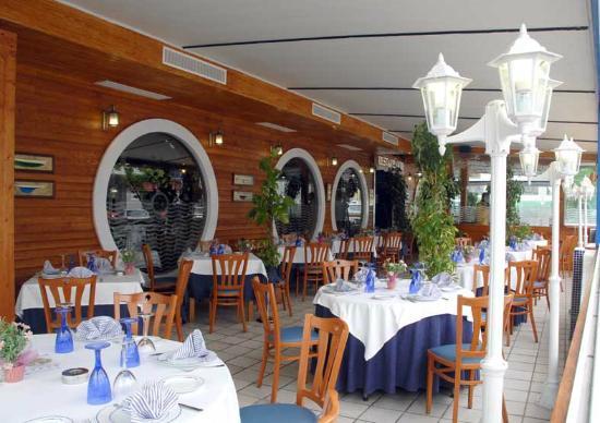 Restaurante a bordo del andurina en san sebasti n de los - Restaurante kaskazuri san sebastian ...