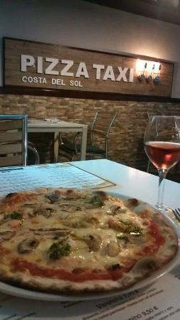 pizza taxi costa del sol estepona omd men om restauranger tripadvisor. Black Bedroom Furniture Sets. Home Design Ideas