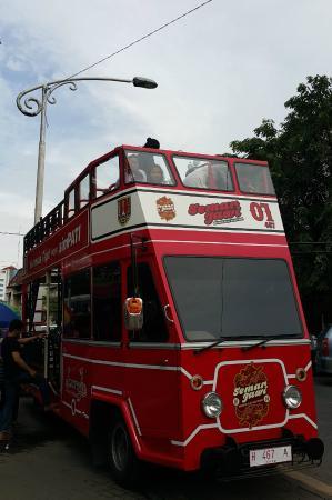 Semarjawi Bus