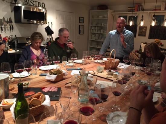 Bradley, Californië: Wine Tasting in the Barn's Kitchen