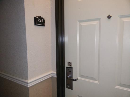 BEST WESTERN PLUS Lubbock Windsor Inn : Room outside smoking area clearly marked as nonsmoking