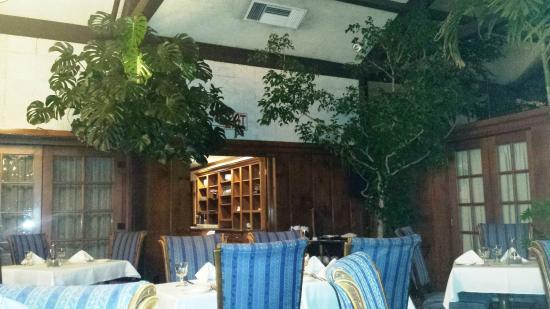 The Dan'l Webster Inn Restaurant: The Restuarant