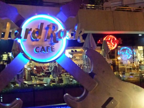 a drink at the hard rock fotograf a de hard rock cafe marbella puerto ban s tripadvisor. Black Bedroom Furniture Sets. Home Design Ideas
