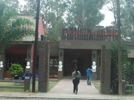 Foto de el parque aguirre santiago del estero la casa del folclorista con las im genes de - La casa del parque ...