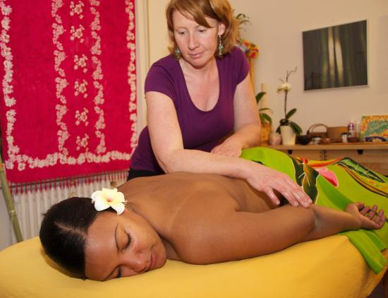 Hawaiian Massage Lomi Lomi Ginger