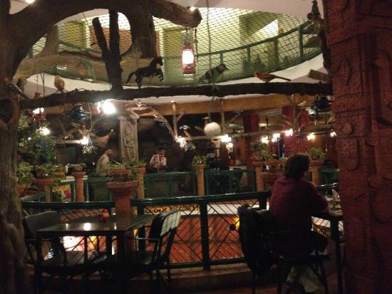 Parklane Hotel Restaurant: Indoor view of the restaurant