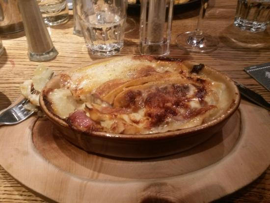 tartiflette picture of restaurant la tablee chamonix tripadvisor. Black Bedroom Furniture Sets. Home Design Ideas