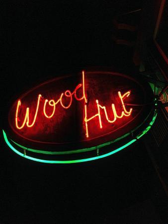 Woodhut Pub & Diner: Woodhut [2]