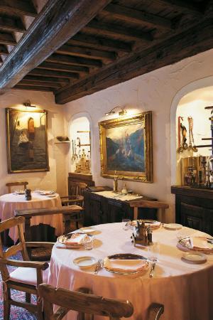 Risultati immagini per restaurant le petit restaurant cogne