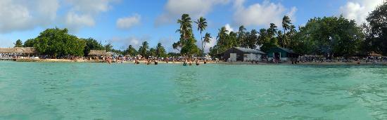 FANNING ISLAND'S BEACH