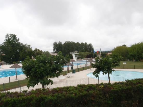 Piscine municipale de casteljaloux france updated 2018 for Casteljaloux piscine