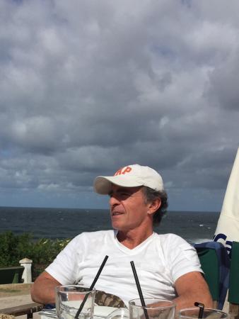Perillan: Comiendo y mirando la playa del desplayado