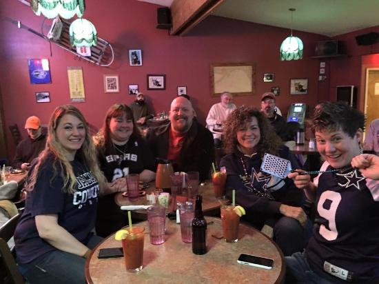 The Breeze Inn: Fun times in the Lounge