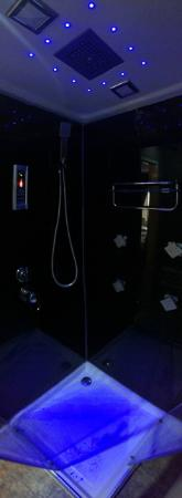 Funky Towers: LED shower