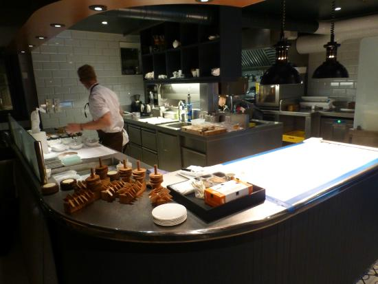 RE- NAA : The open kitchen