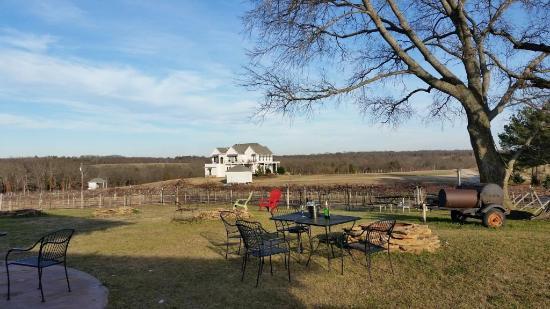 Tara Vineyard & Winery: View of outside
