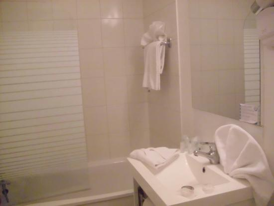 Inter-Hotel Paris Est Rosny: Salle de bain