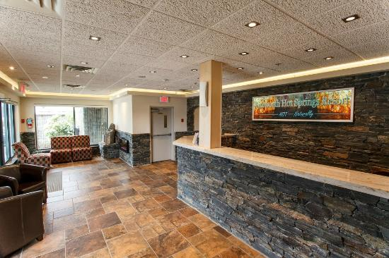 Ainsworth Hot Springs Resort: Lobby
