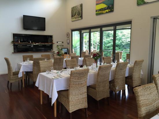 Pomodoras on Obi: Wedding set up
