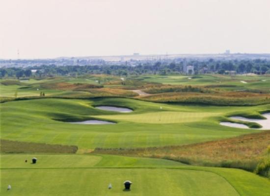 Three Crowns Golf Club: Stunning #8, a demanding par 3