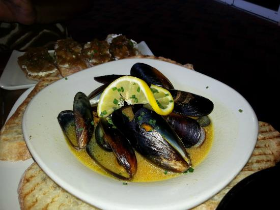 121 Tapas on the Water: Mussels
