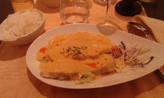 My Pumpui : Plat saumon sauce curry et lait coco Dessert coupe Pumpui