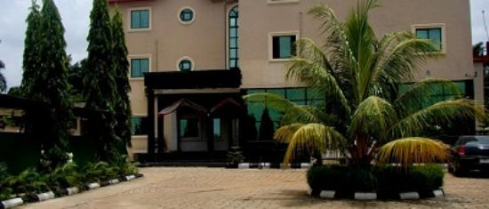 Owerri, Нигерия: seaview hotel front view