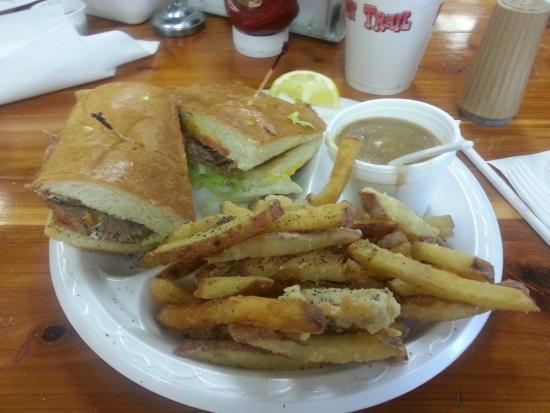 Danken Trail B-B-Q: One HALF of a Brisket Po-Boy With Gravy And HOT Fries