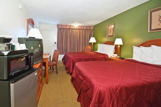 Days Inn Asheville West: Double bedroom