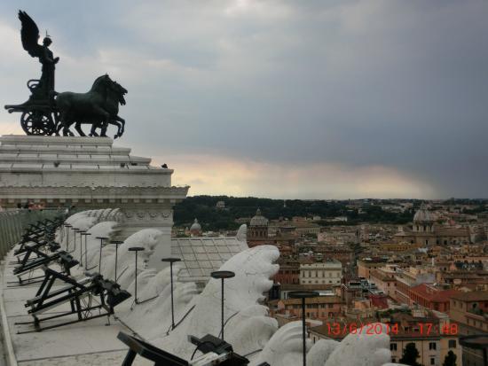 vista do Roma dal Cielo Terrazza delle Quadrighe: fotografía de ...